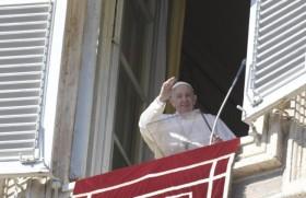 Pope_in_a_vei_6nak_thu_simnak.jpeg