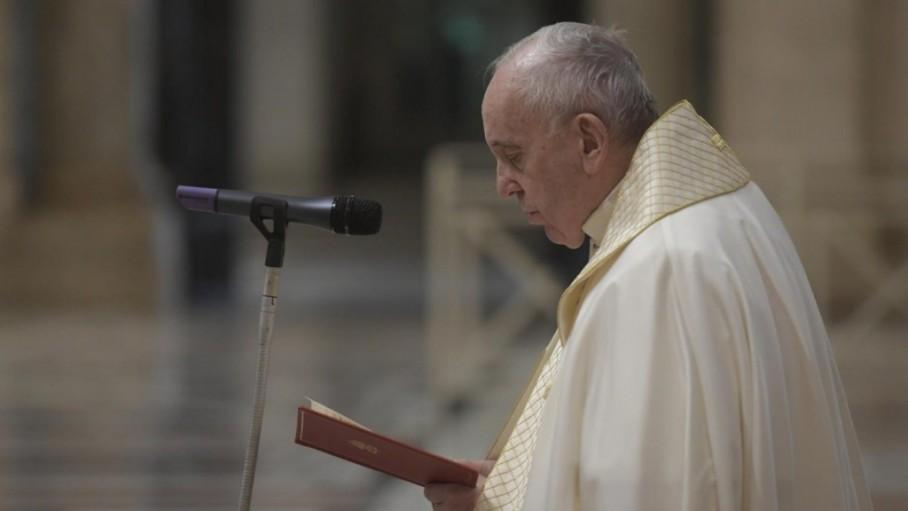 Pope Francis ih thusim lai