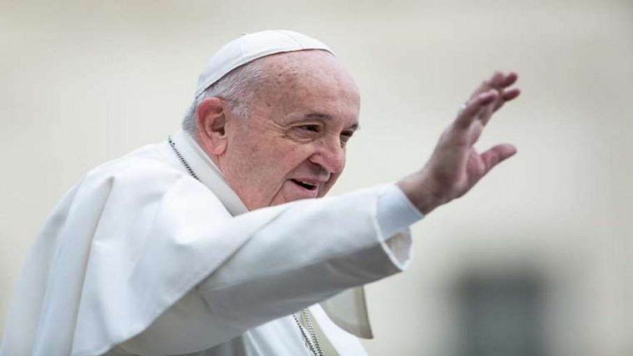 pope_francis_waves_to_pilgrims_in_st_peters_square_feb_26_2020_credit_daniel_ibanez_cna.jpg